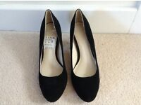 Women's Clarks shoes - brand new, size 5
