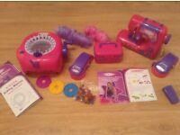 Kids Singer sewing machine, knitting machine and accessories. Only £15