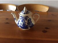 Willow pattern teapot