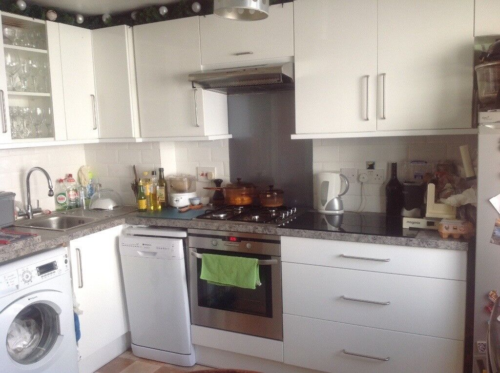2 DOUBLE ROOMS TO LET IN CITY CENTER FLAT