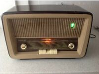 Collectable, vintage BARCLAY VALVE RADIO 1960's?