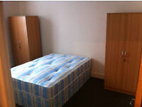 Spacious double room for rent near Seven Kings station Ilford