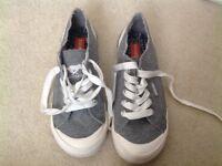 New and unworn Rocket Dog shoes size 4