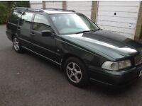Volvo V70 1999 2.4l for apares and repairs