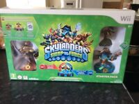 Skylanders Wii starter pack with figures