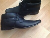 Mens dress shoes size 10 never been worn