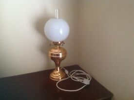 TABLE LAMP IN THE STYLE OF AN OLD COPPER OIL LAMP