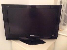 Panasonic LCD 32 inch television - excellent working order