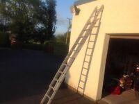 Aluminium Extending Ladders