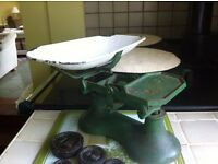Vintage Kitchen scales with full set of weights and weighing scoop.