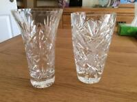 2 glass vases