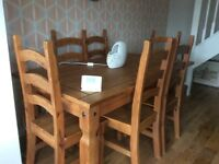 Dinning round table 6 chairs