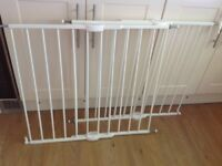 Lindam Stair Gates x2 (to fit spaces 62cm-102cm)