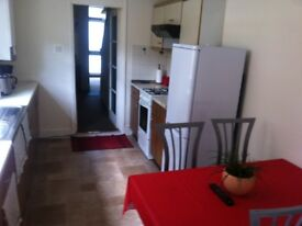 DOUBLE ROOM IN STRATFORD £ 135 PW BILLS INCLUDED