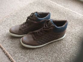 best service 39106 ce2ae Brown high top trainers