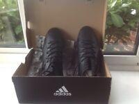 Football boots Adidas moulds black size 9 new, Nemeziz