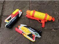 3 Water guns