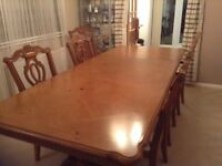 Large Dining Table and 6 chairs, 2 extending leaves, 1.5m-2.6m in size