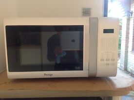 900W Microwave oven in great condition