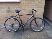 Mens Hybrid Hardtail Mountain Bike in EXCELLENT Condition
