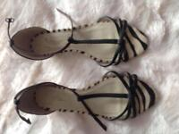 Oasis Sandals size 7