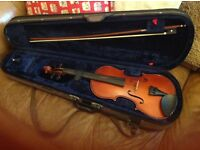 For sale: Full size violin and case £50