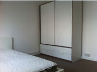 big DOUBLE ROOM in MODERN, newly REFURBISHED FLAT - gay/pets friendly, zone 2, available 02/02/17
