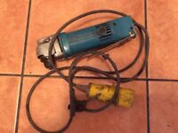 FULLY WORKING GOOD CONDITION MAKITA REVERSIBLE ANGLE DRILL WITH CHUCK KEY