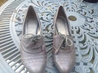 Clarks shoes size 37 (4) grey