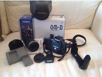 Olympus OMD-EM5, 12-50 mm lens and case