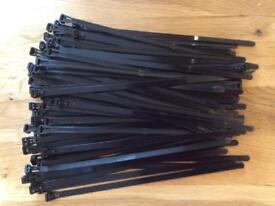 10 x Reusable/Releasable Cable Ties 250mm Black - NEW