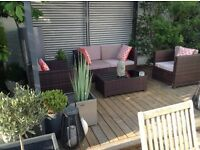 Rattan garden patio sofa and 2 chairs and coffee table £230 Ono tel 07966921804