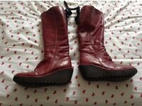 Fly of London boots reddish colour size 4