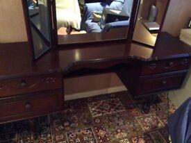 Rossmore Mahogany Dressing Table