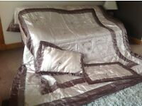 Quilted Bed cover/throw with pillowcases