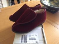 Brand New Fleece Lined Slippers size 5