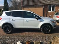 Ford Kuga 4 wheel drive 2.0 Zetec 6 speed Manual Pearl Metalic White, Blue Tooth phone Connection