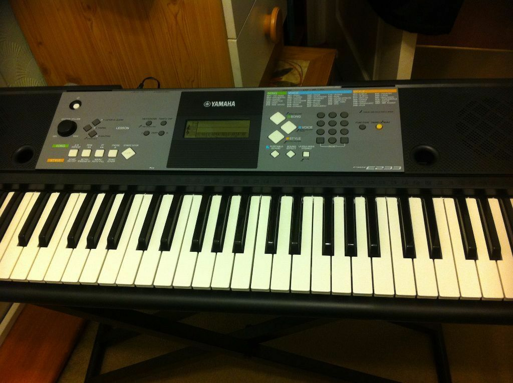 yamaha portable electric keyboard in wokingham