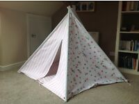Great Little Trading Company Blossom Play Tent - immaculate condition
