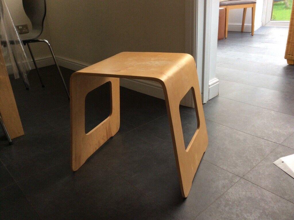 Coffee/ bedside table