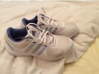 Adidas white ladies trainer,lace up, excellent con view photos