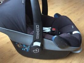 Newborn maxi cosi car seat from birth