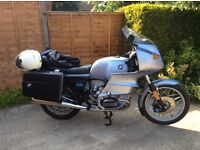 BMW R100rs superb example.