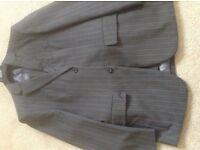 Linea suit 38s