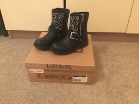 Lelli Kelli boots brand new unworn