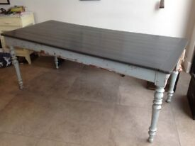 Lovely shabby chic 8 seater french dining table