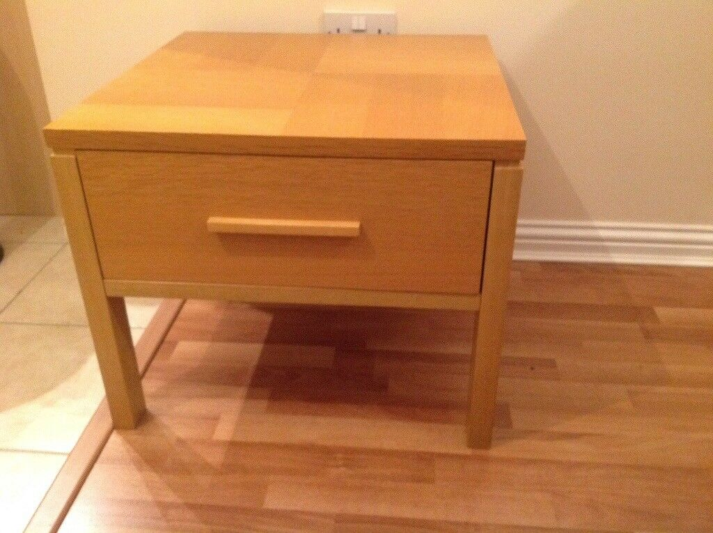 Coffee table 24 x 24 inches with deep draw perfect £50 can deliver if local call 07812980350
