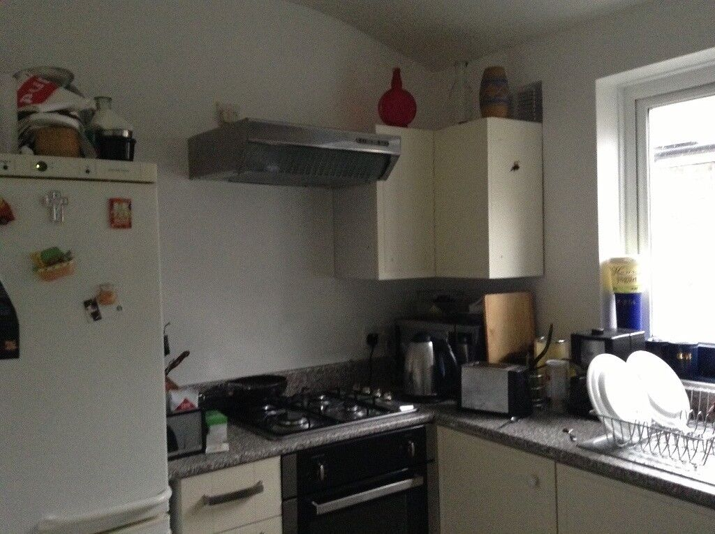 Single lovely Room to let, NON OVERCROWDED,BILLS INCLUDED,FAST VIRGIN MEDIA INTERNET!