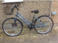 LADIES HYBRID BIKE FOR SALE-EXCELLENT CONDITION-FREE DELIVER