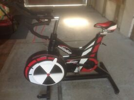 Watt bike pro in very good condition with monitor,heart rate ,cleat ready , perfect working order